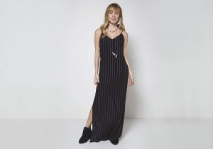 vestido longo estampa de listras verticais