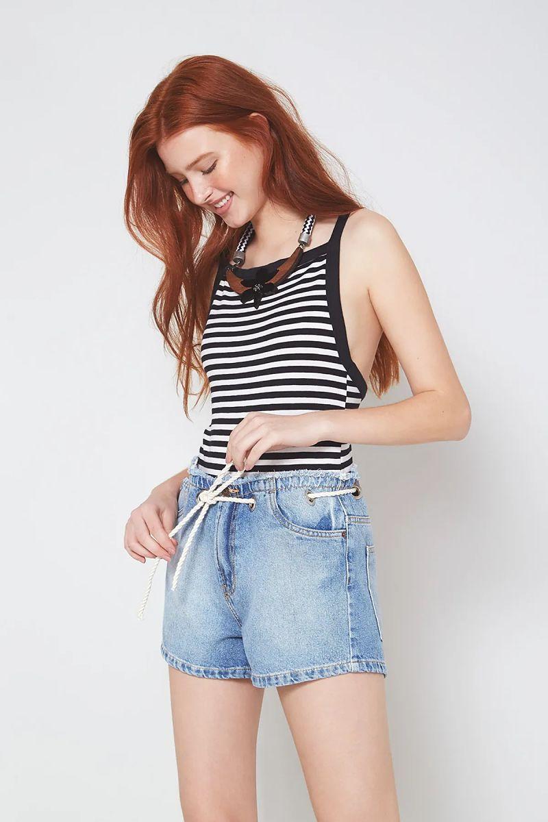short jeans claro body de alcinha listrado