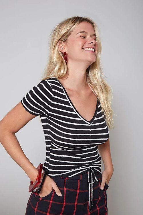 calça xadrez t-shirt listrada